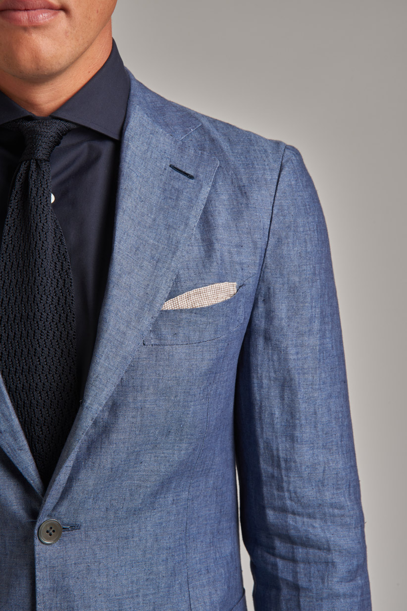how to wear a linen suit with accessories