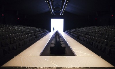 mercedes-benz-fashion-week-runway-ik1d8ds8